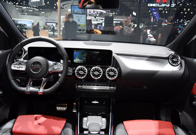 BBA均有新车 北京车展6款热门豪华性能车盘点-图6