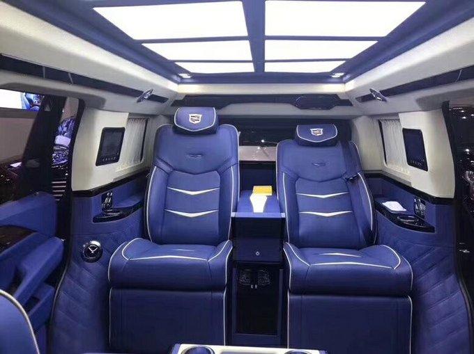 18款凯迪拉克 舒适巅峰伯爵一号200万卖-图7
