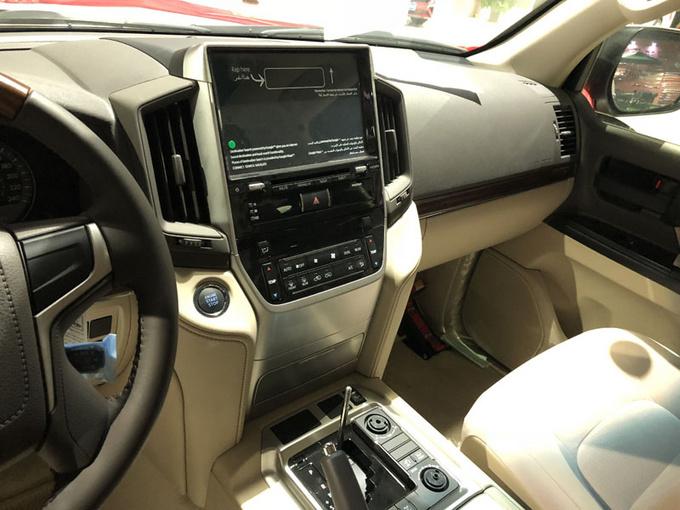 18款中东丰田酷路泽4600 V8大折扣91万售-图5
