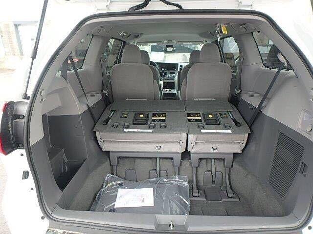 丰田塞纳四驱标配LE版本 环保公开48.5万-图10