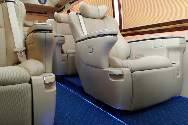 18丰田考斯特降价促销 豪华客舱全新改装-图8