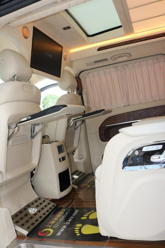 2019款奔驰V260新实拍 高端商务优惠畅销-图4