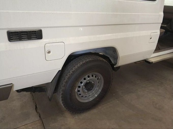 18款丰田LC79汽油4.0 现车到港优惠报价-图9