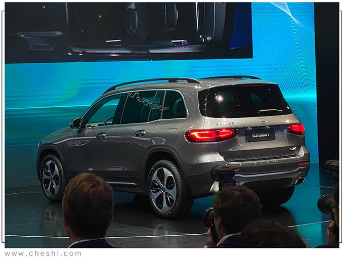 奔驰GLB将推入门版车型 价格下调不到30万就能买-图3