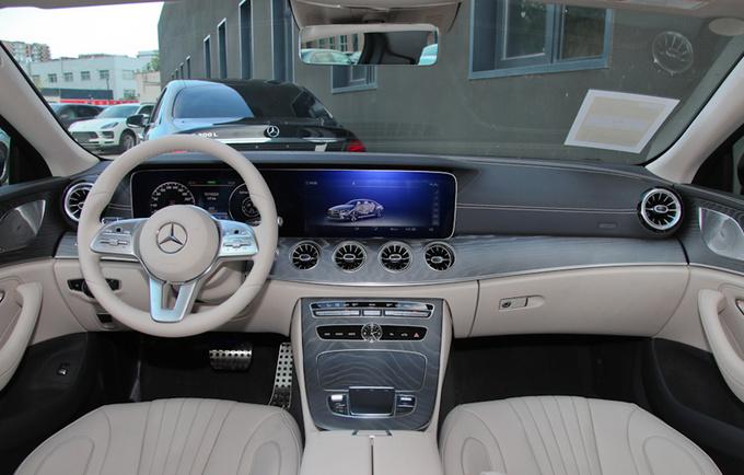 奔驰新款CLS配置升级 57.68万元起售 最高涨9千-图1