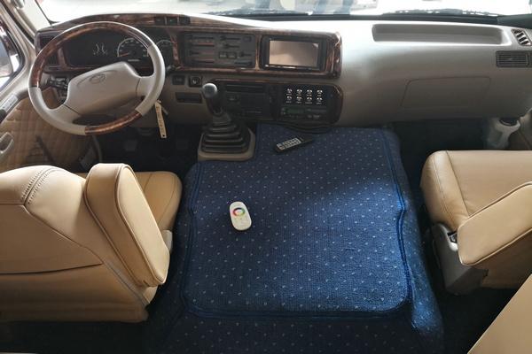 18丰田考斯特降价促销 豪华客舱全新改装-图6