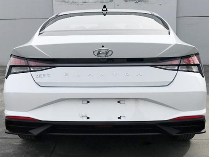 北京现代新伊兰特9月底上市 尺寸加长-超丰田卡罗拉-图3