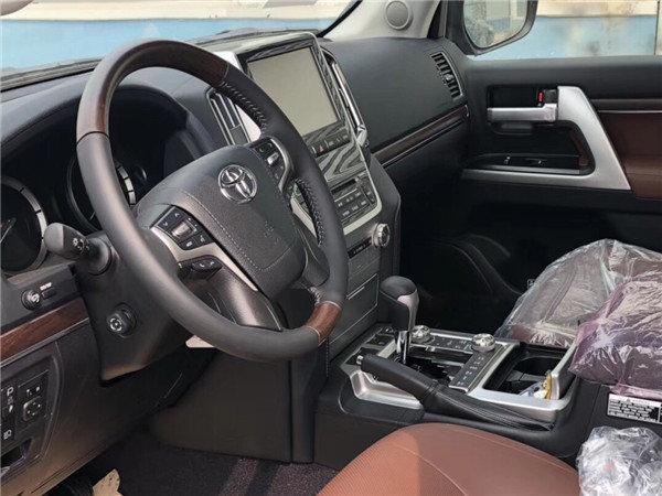 18款中东丰田酷路泽5700 VXS运动版顶配-图6