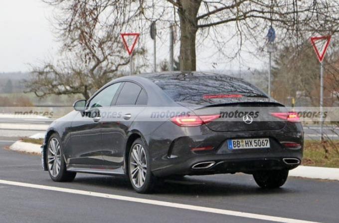奔驰新款CLS路试谍照 外观小幅调整/有望明年发布-图4
