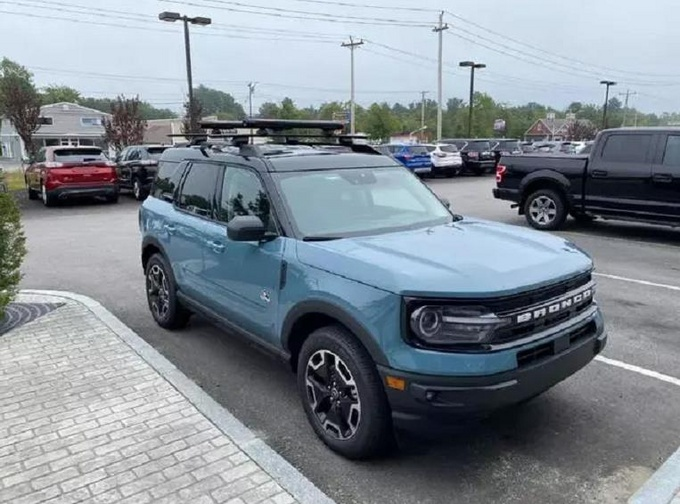 福特全新Bronco实拍搭2.0T动力/全系配四驱系统-图1