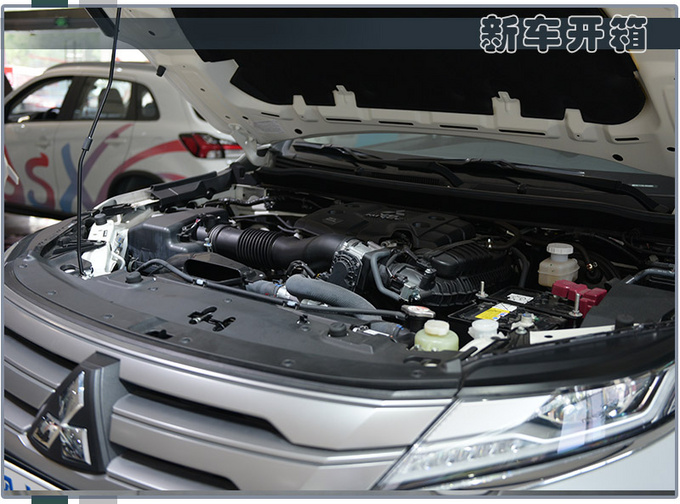 进口硬派SUV不到30万就能买新款帕杰罗·劲畅到店-图24