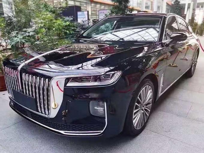 红旗H9旗舰轿车2.0T版谍照 售价预计不到30万-图1