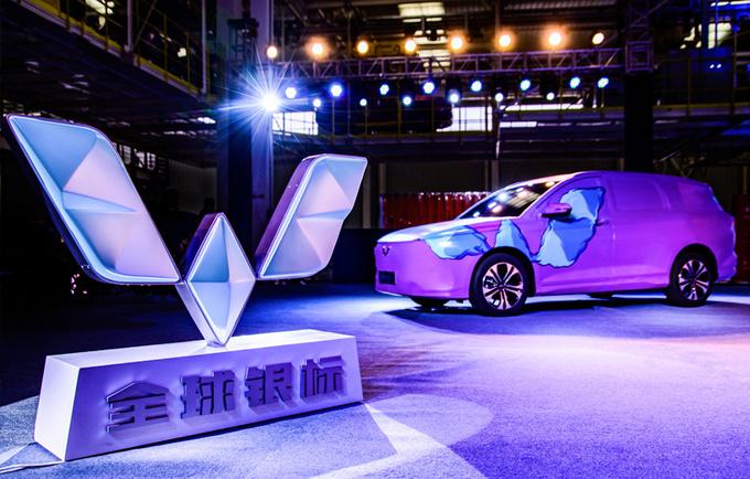 五菱首款新标车型7月预售 定位MPV 全新外观设计-图2
