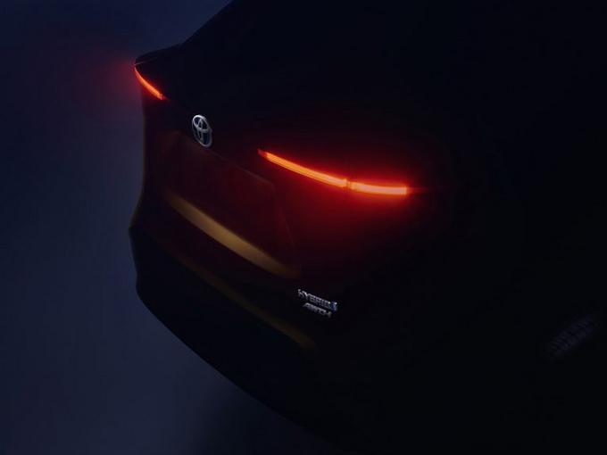 丰田全新SUV预告图曝光下月亮相/配四驱系统-图1