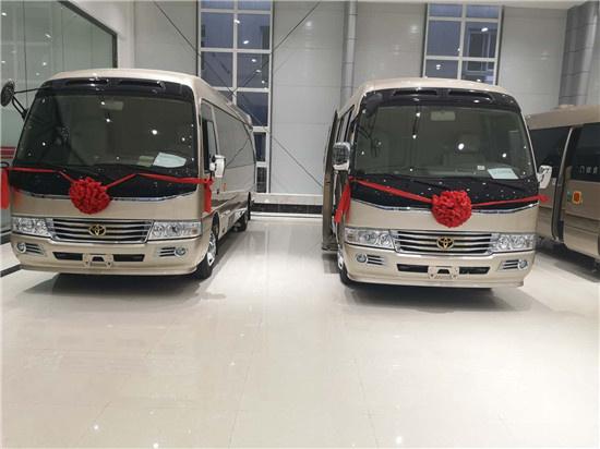 丰田考斯特换新装 品牌大巴座位全配置丰-图2