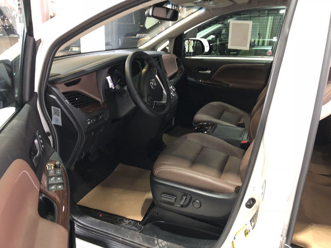 丰田塞纳LTD四驱 七座顶配商务促销价格-图4