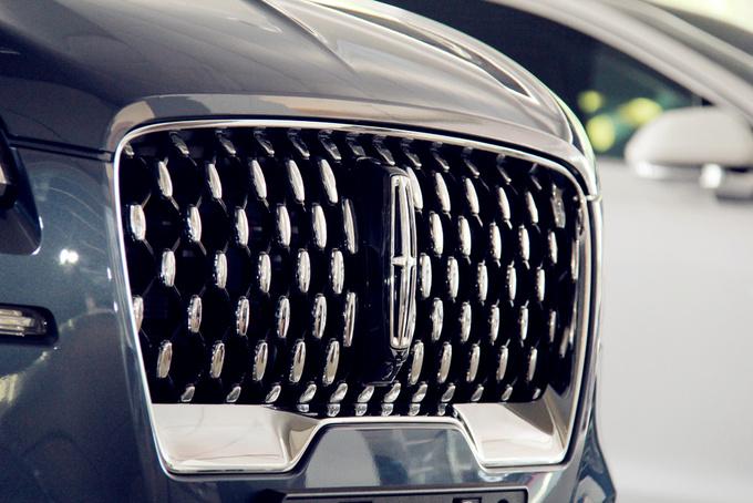 国产全新林肯飞行家豪华SUV上市 售56.2-76.2万元-图1