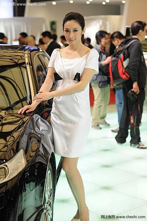 图片库 车展 2011上海车展 2011上海车展车模 讴歌车模  速度3秒 5秒8