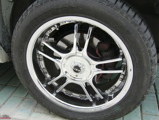 白色华泰圣达菲2.0t柴油版外观改装 高清图片