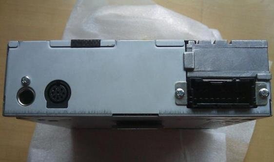 康之园 海马王子cd接线图 > 08款尼桑骐达6碟cd机接线图  08款尼桑
