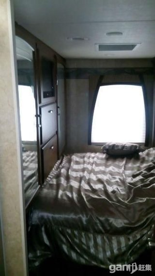 2001款旅居房车295型