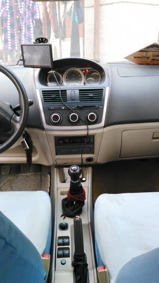 2009款三厢 1.5L MT舒适型