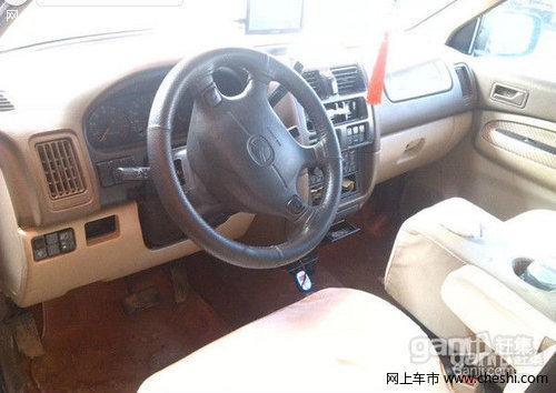 海马普力马2001款 1.8 自动 SDX 7座豪华版 7坐油气两用豪华MPV低高清图片