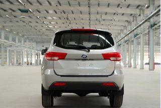 2015款2.4L 手动汽油四驱豪华版 7座