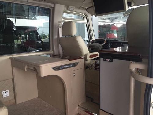 2009款2.7L 手动汽油 17座VIP