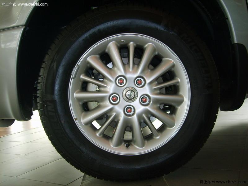 克莱斯勒 大捷龙 轮胎轮毂 外观图片 23151 高清图片