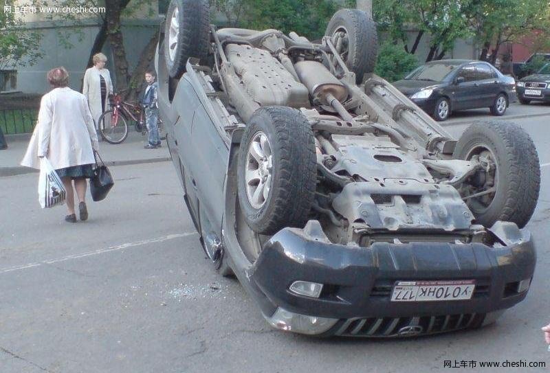 一汽丰田 霸道 普拉多 车祸 文章配图图片 94225 网上车市高清图片