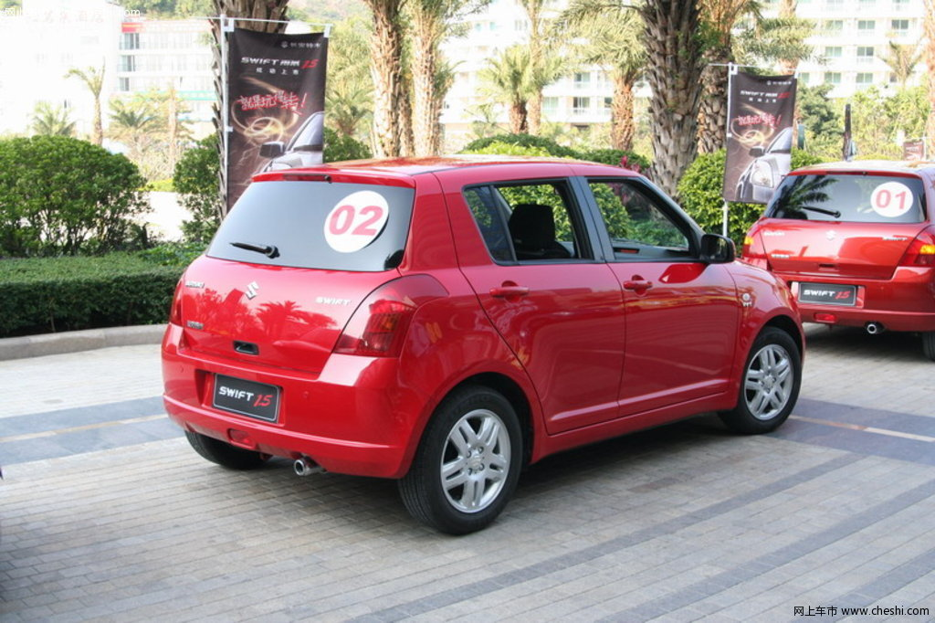 汽车图片 铃木 雨燕 2010款 1.