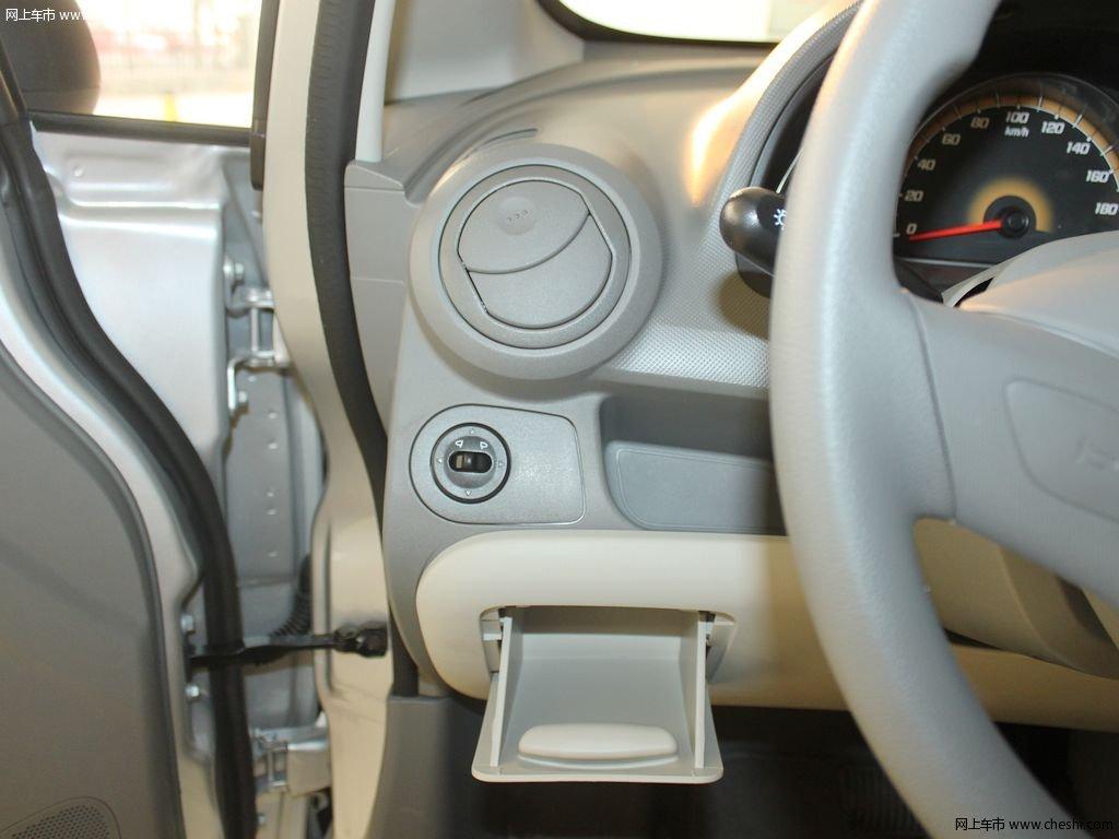 图片库 雪佛兰 赛欧 中控方向盘 2010款 1.