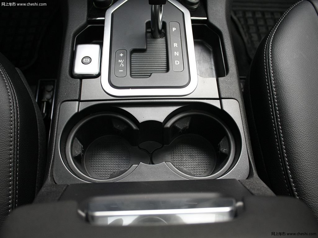 圣托里尼黑路虎发现 2012款 5.0 自动HSE汽油版 7座中控方向盘高清图高清图片