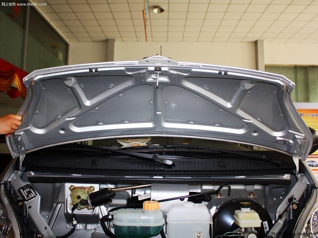 五菱荣光 1.2 mt 基本型 2012款动力底盘