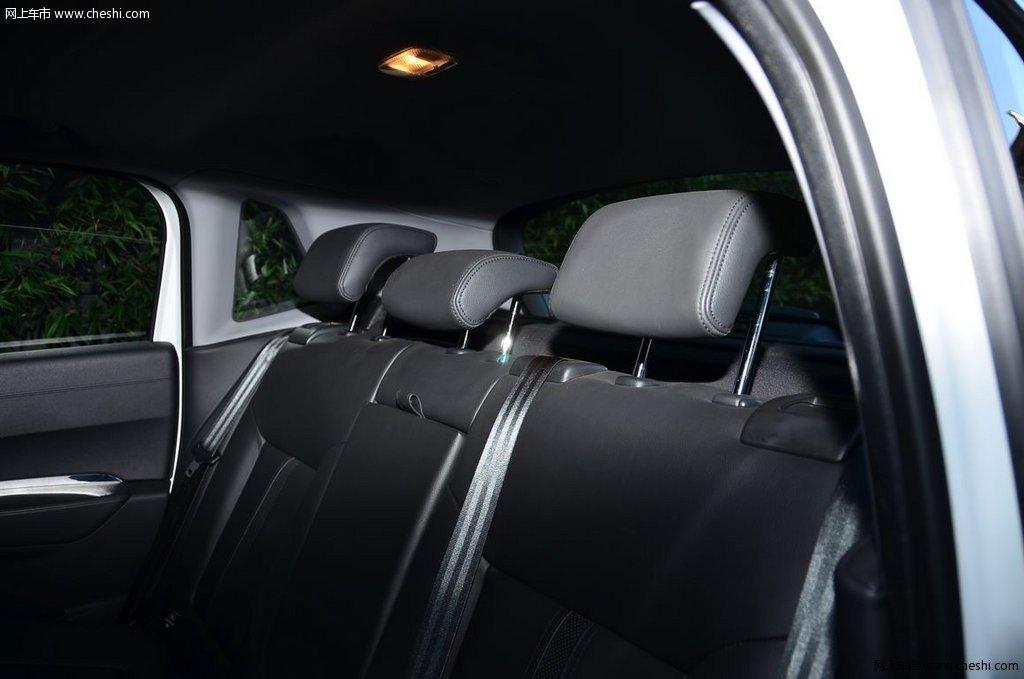 2013款 标致3008车厢座椅