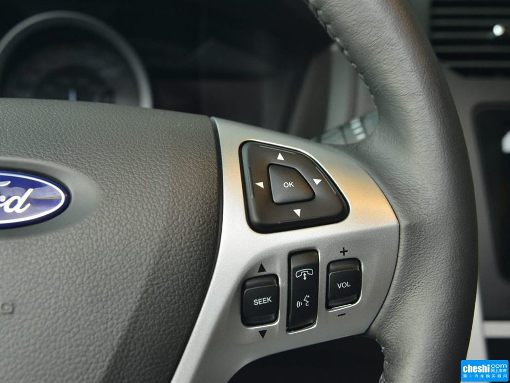 图片库 福特 福特探险者 中控方向盘 福特探险者中控方向盘  速度3秒