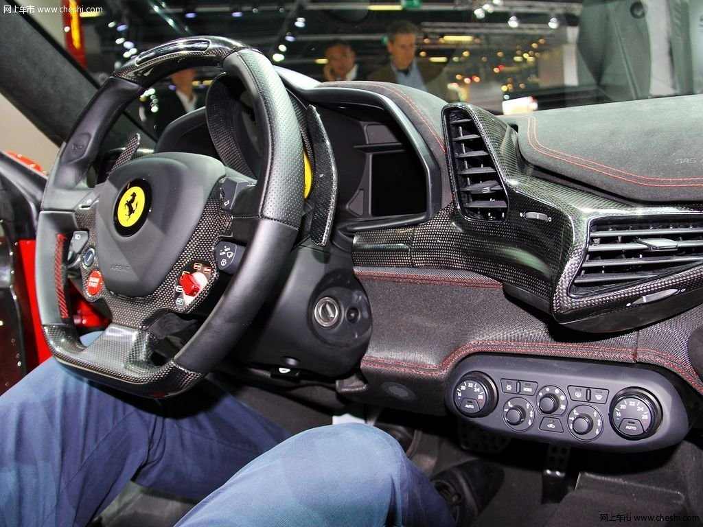 法拉利458中控方向盘高清图片(10/19)