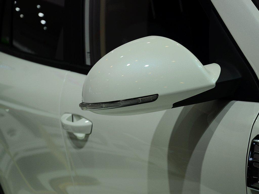 【野马T70原图展示1266514X1266514-野马汽车