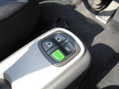 2010款 1.0L AMT 硬顶 基本版