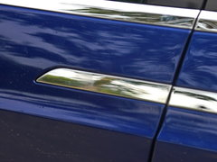 2016款 Model X 90D