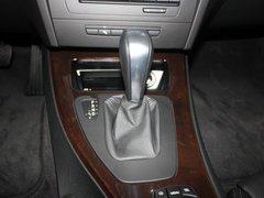 2010款 320i 2.0L 豪华型