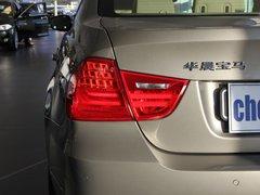 2011款 320i 2.0L 自动豪华型