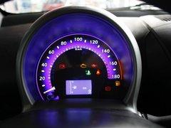 2011款1.0L 手动铉酷型