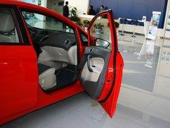 2011款 两厢 1.5L 自动 时尚型