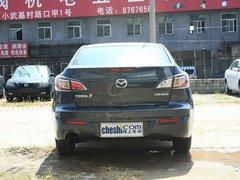 长安马自达  Mazda3星骋 1.6 AT 车辆正后方尾部视角