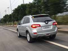 2012款2.5 CVT四驱舒适导航版 5座