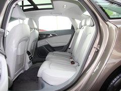 一汽奥迪  A6L 30 FSI CVT 第二排座椅正视图