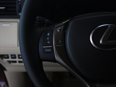 雷克萨斯  RX270 2.7 AT 方向盘左侧