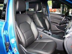 奔驰(进口)  B200 1.6T 副驾驶席座椅45度特写